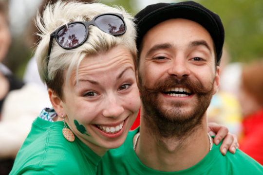couple enjoying St Patrick's Day celebration